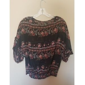 Tops - Flouncey floral top